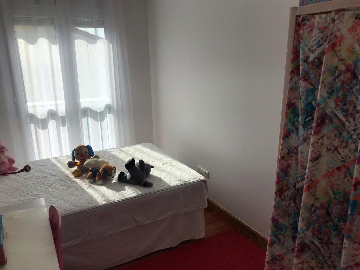 Piso en alquiler en Miengo  de 2 Habitaciones, 2 Baños y 100 m2 por 475€/mes.