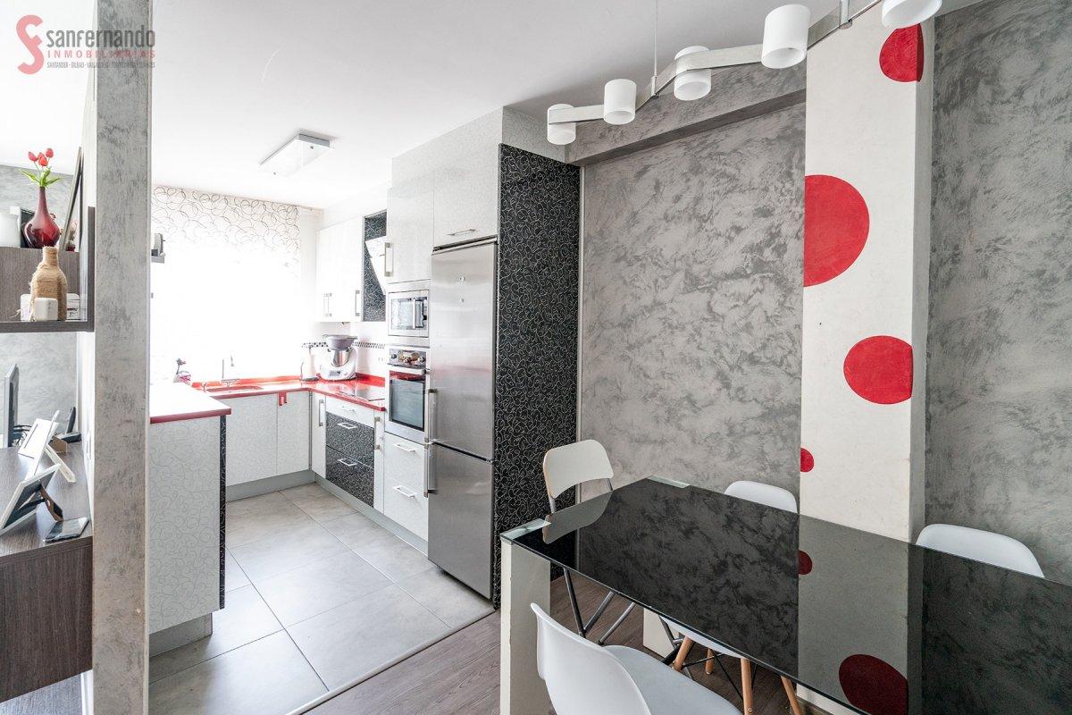 Adosado en venta en Miengo  de 3 Habitaciones, 2 Baños y 139 m2 por 168.000 €.