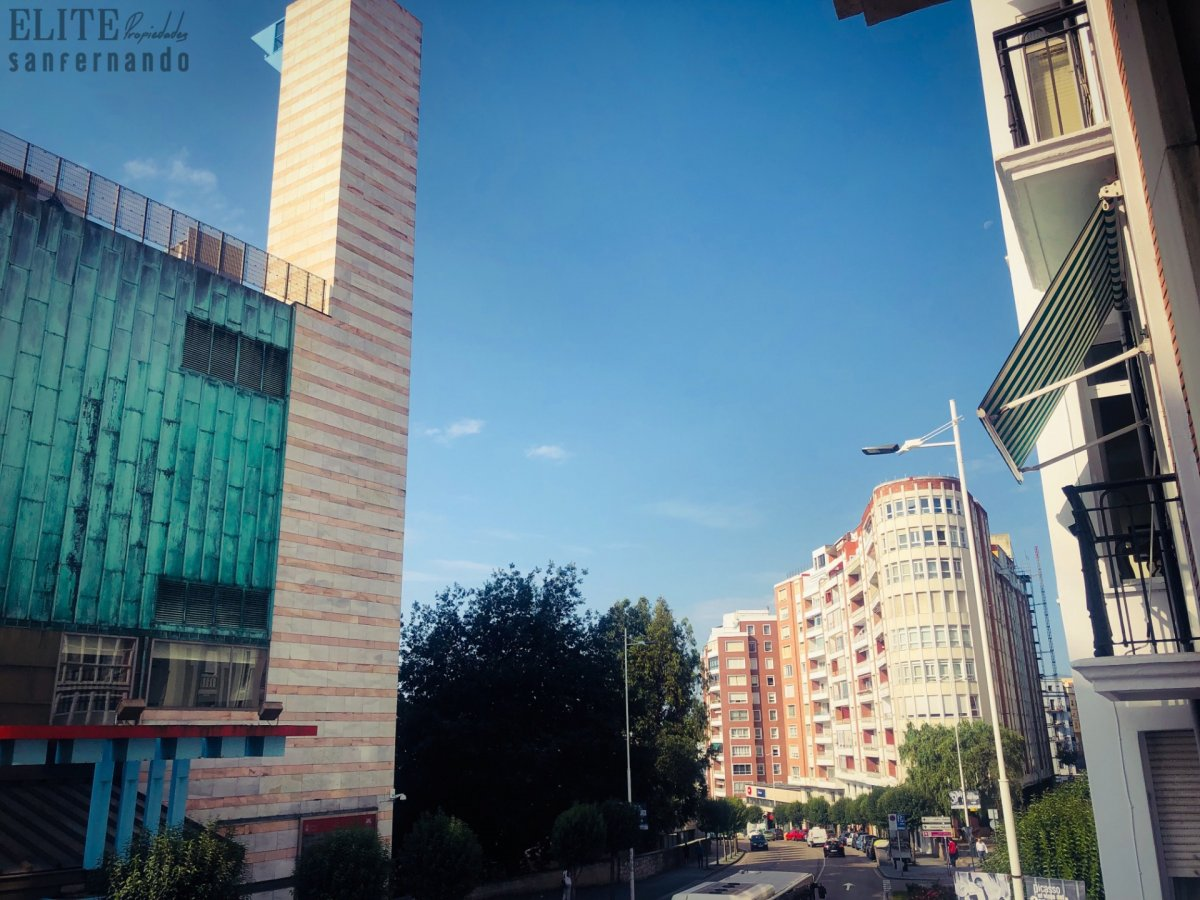 Piso en venta en Santander  de 5 Habitaciones, 2 Baños y 229 m2 por 529.000 €.