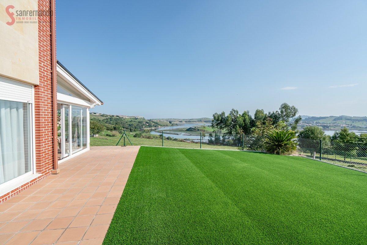 Pareado en venta en Suances  de 3 Habitaciones, 2 Baños y 107 m2 por 199.000 €.