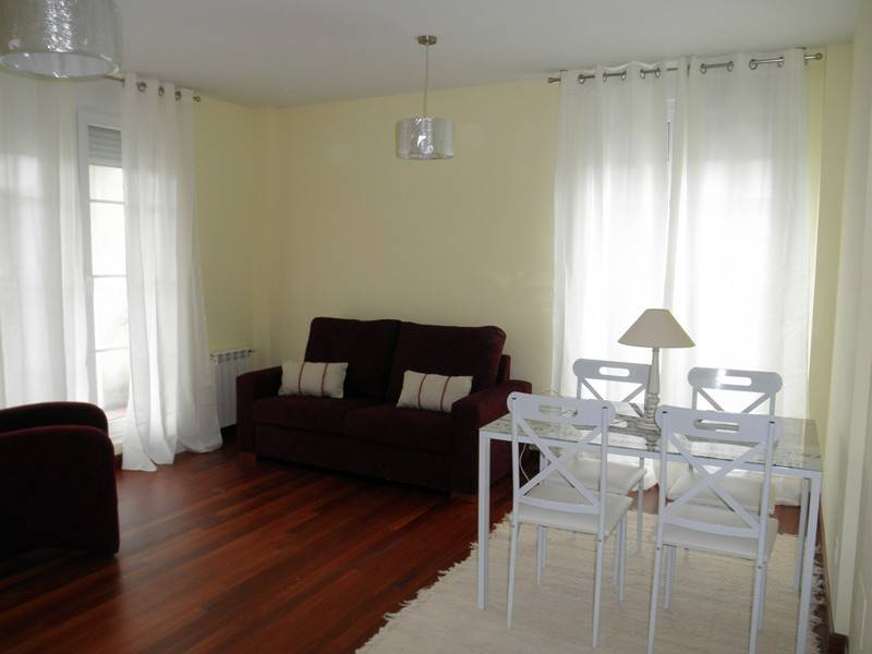 Piso en alquiler en Villabañez  de 2 Habitaciones, 1 Baño y 62 m2 por 400€/mes.