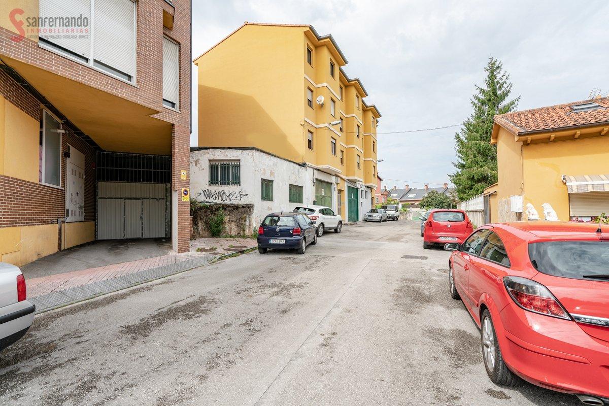 Local comercial en venta en Torrelavega  de 180 m2 por 129.000 €.