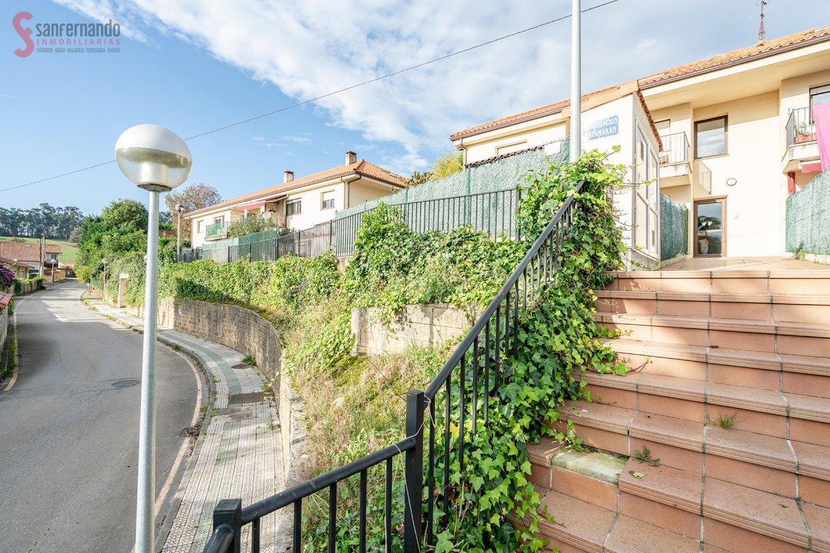 Dúplex en venta en Oruña  de 3 Habitaciones, 2 Baños y 91 m2 por 110.000 €.