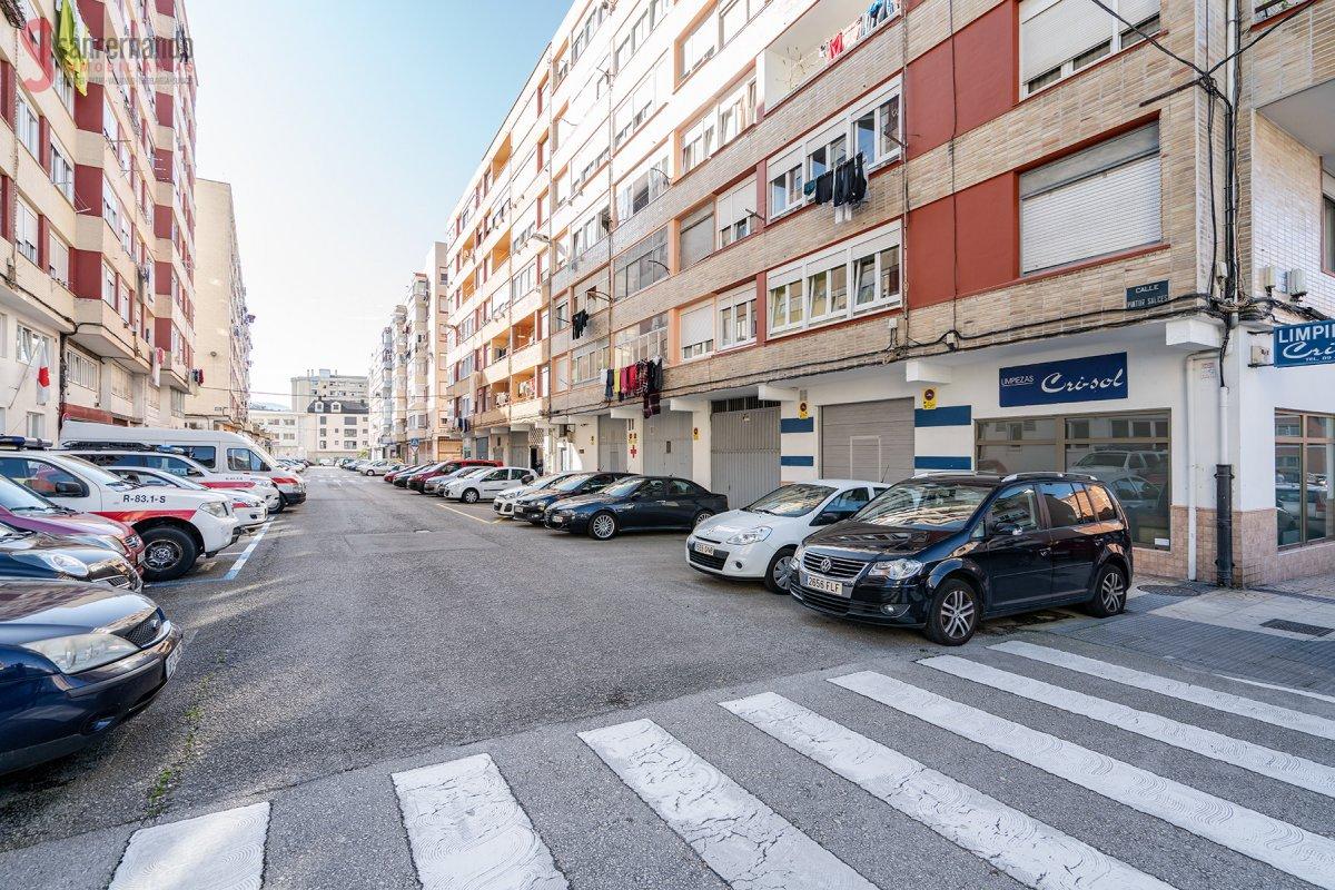 Piso en venta en Torrelavega  de 3 Habitaciones, 1 Baño y 82 m2 por 99.000 €.
