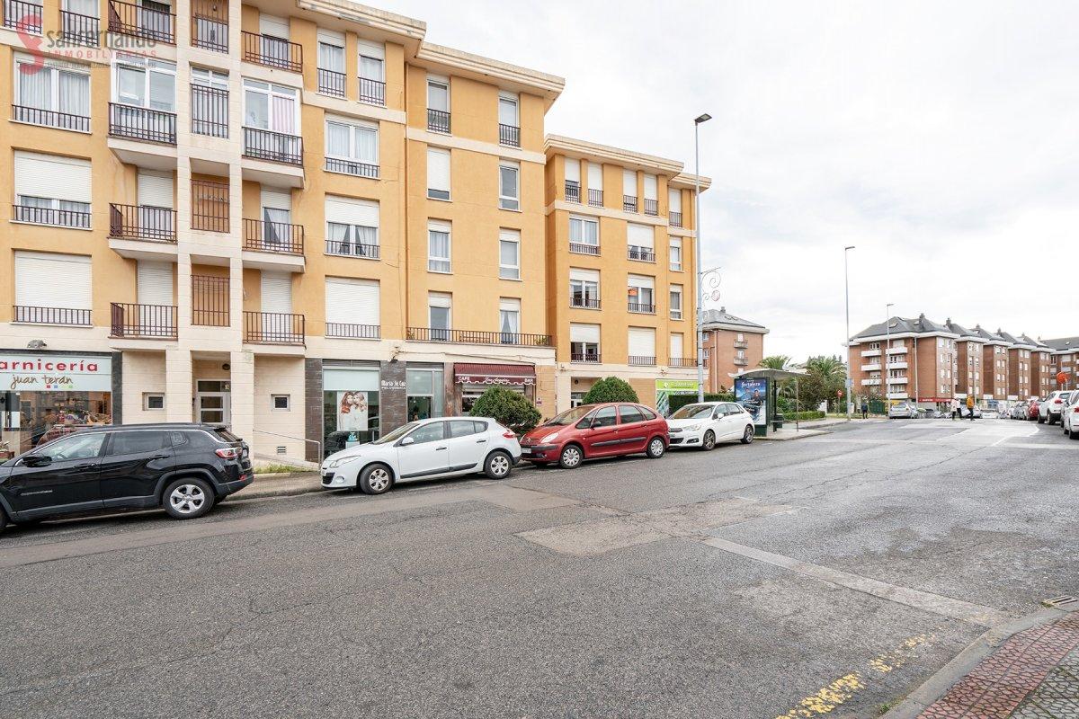Piso en venta en Santander  de 3 Habitaciones, 1 Baño y 79 m2 por 119.000 €.