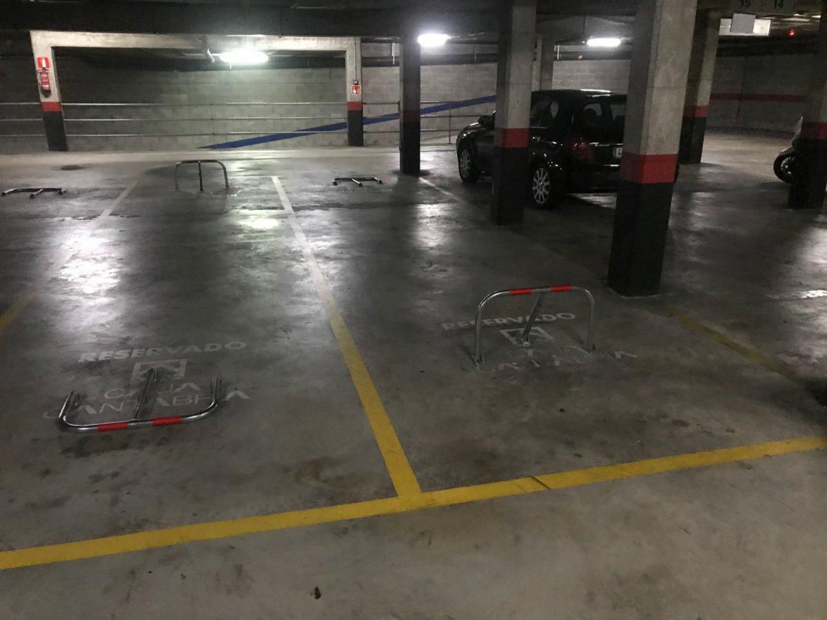 Garaje en alquiler en Santander  de 20 m2 por 157€/mes.