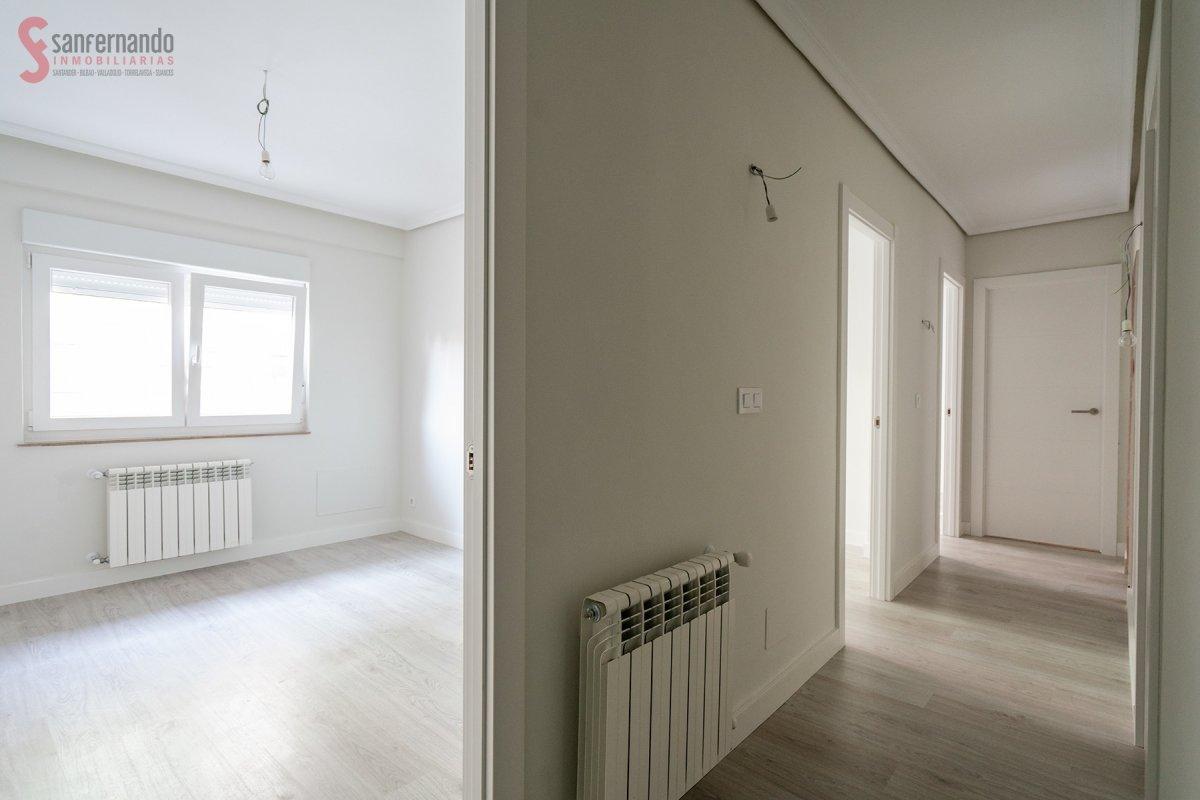 Piso en venta en Torrelavega  de 3 Habitaciones, 1 Baño y 65 m2 por 59.000 €.