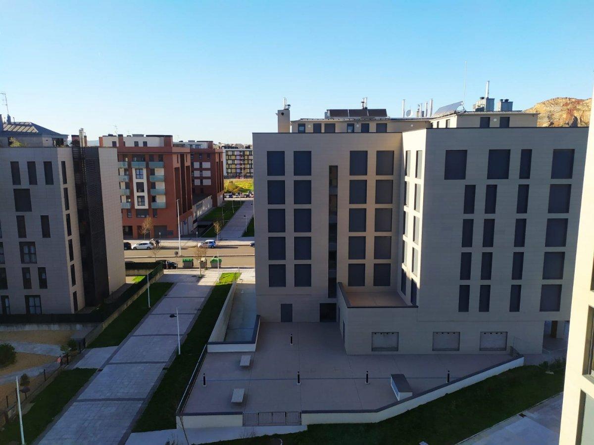 Piso en alquiler en Santander  de 2 Habitaciones, 1 Baño y 75 m2 por 650€/mes.