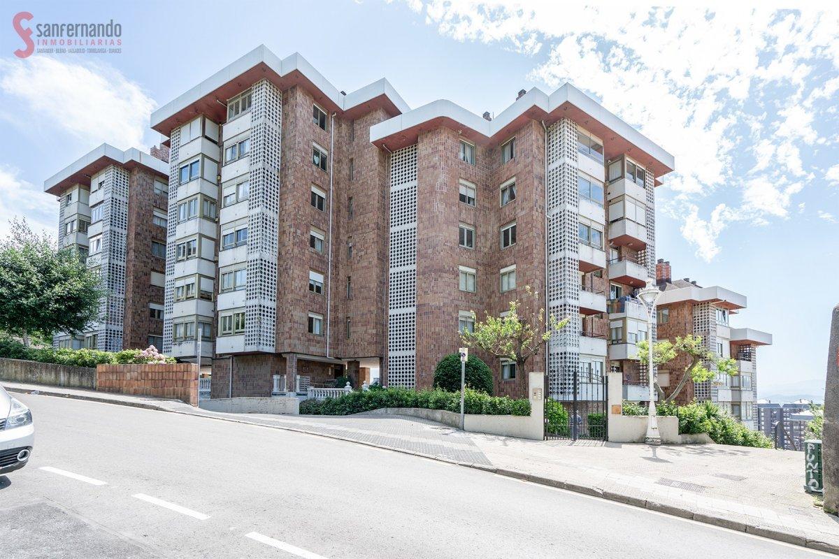 Piso en venta en Santander  de 3 Habitaciones, 2 Baños y 95 m2 por 359.000 €.