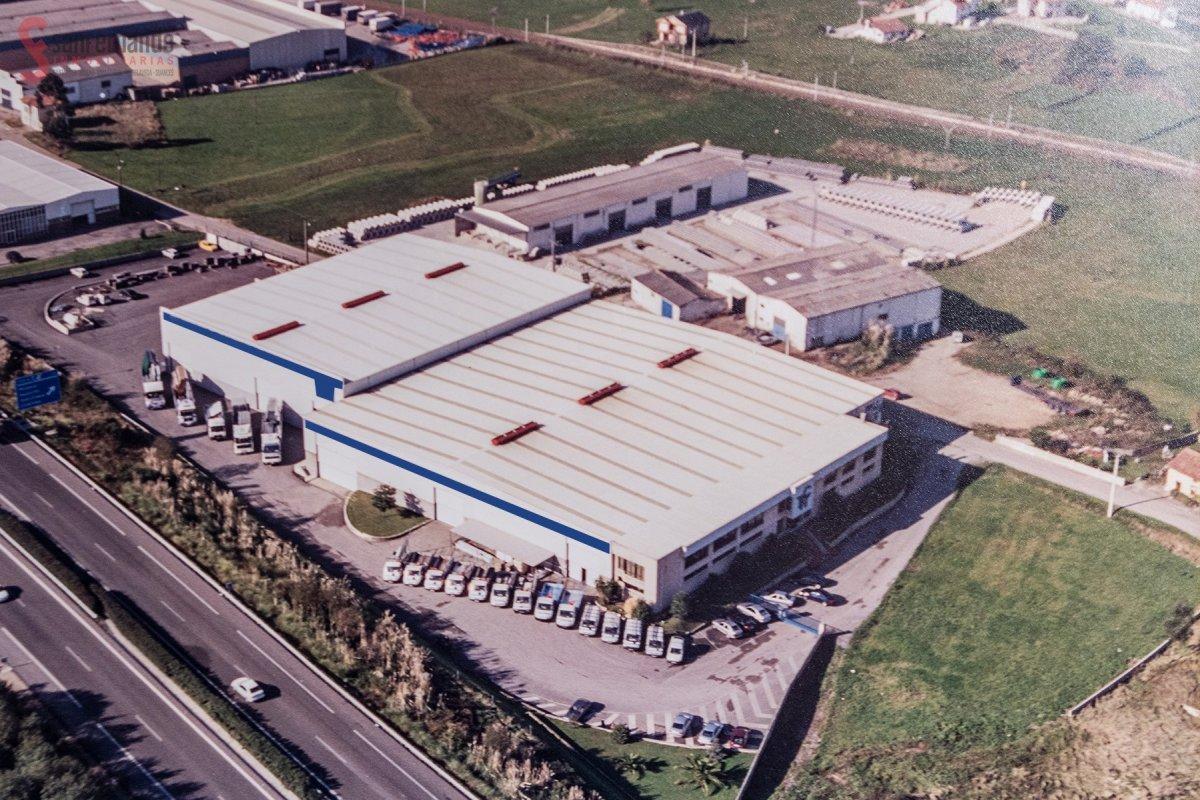 Nave Industrial en venta en Polanco  de 1 Baño y 72.191 m2 por 2.950.000 €.