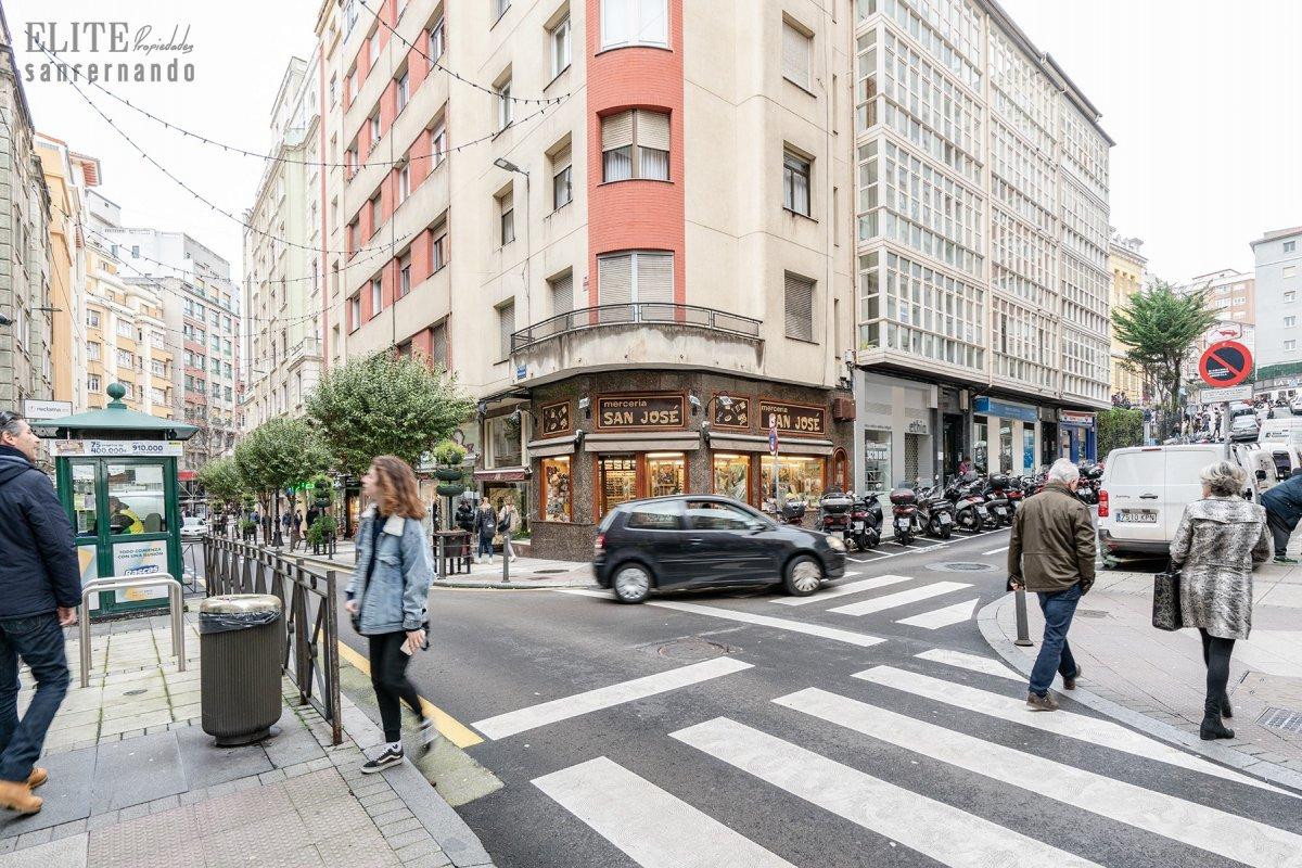 Local Comercial en venta en Santander  de 2 Baños y 169 m2 por 485.000 €.