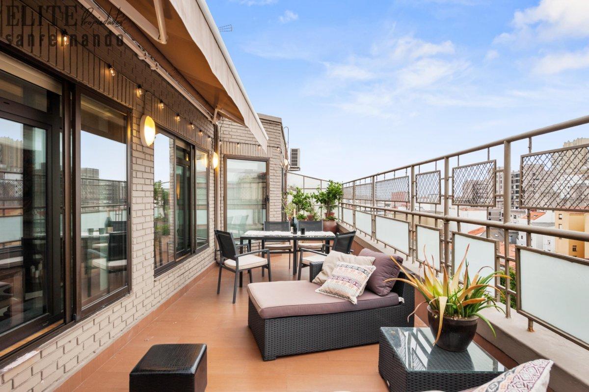 Piso en venta en Santander  de 5 Habitaciones, 3 Baños y 251 m2 por 650.000 €.