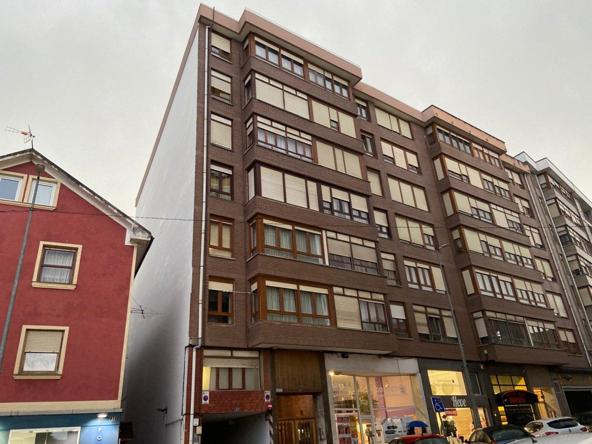 Piso en venta en Camargo  de 3 Habitaciones, 1 Baño y 78 m2 por 120.200 €.
