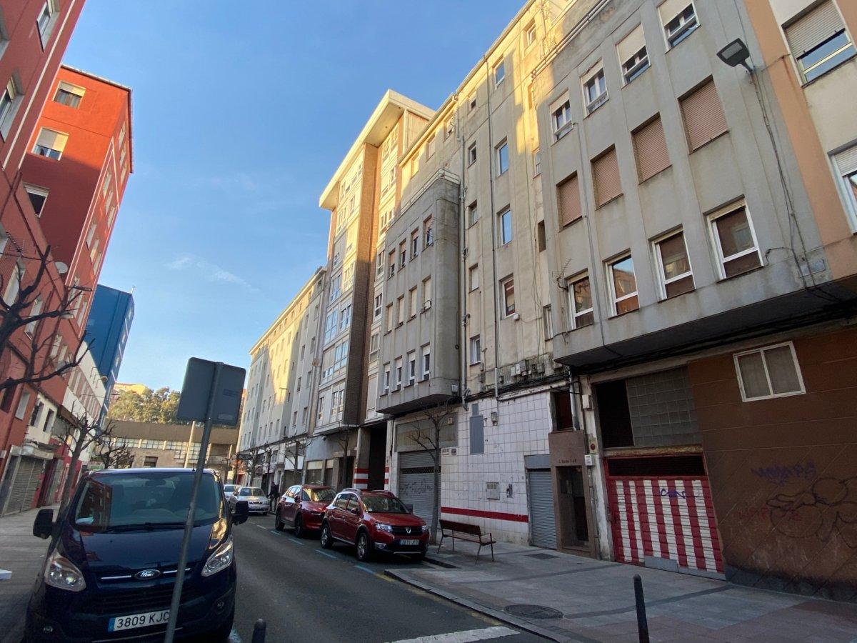 Piso en venta en Santander  de 3 Habitaciones, 1 Baño y 73 m<sup>2</sup> por 80.400 €.