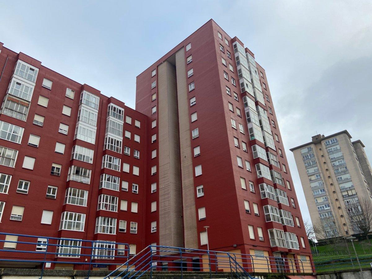 Piso en venta en Santander  de 3 Habitaciones, 1 Baño y 84 m2 por 97.750 €.