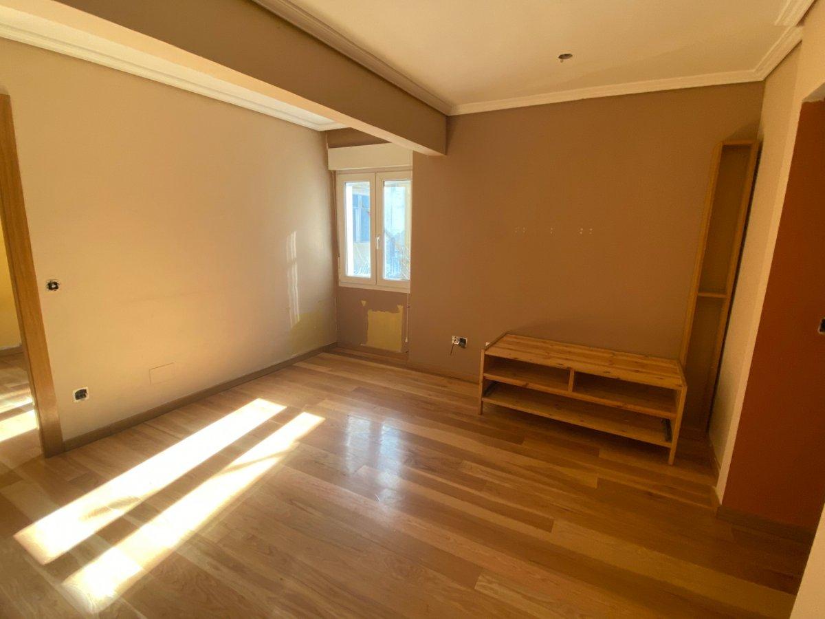 Piso en venta en Santander  de 3 Habitaciones, 1 Baño y 75 m2 por 90.850 €.