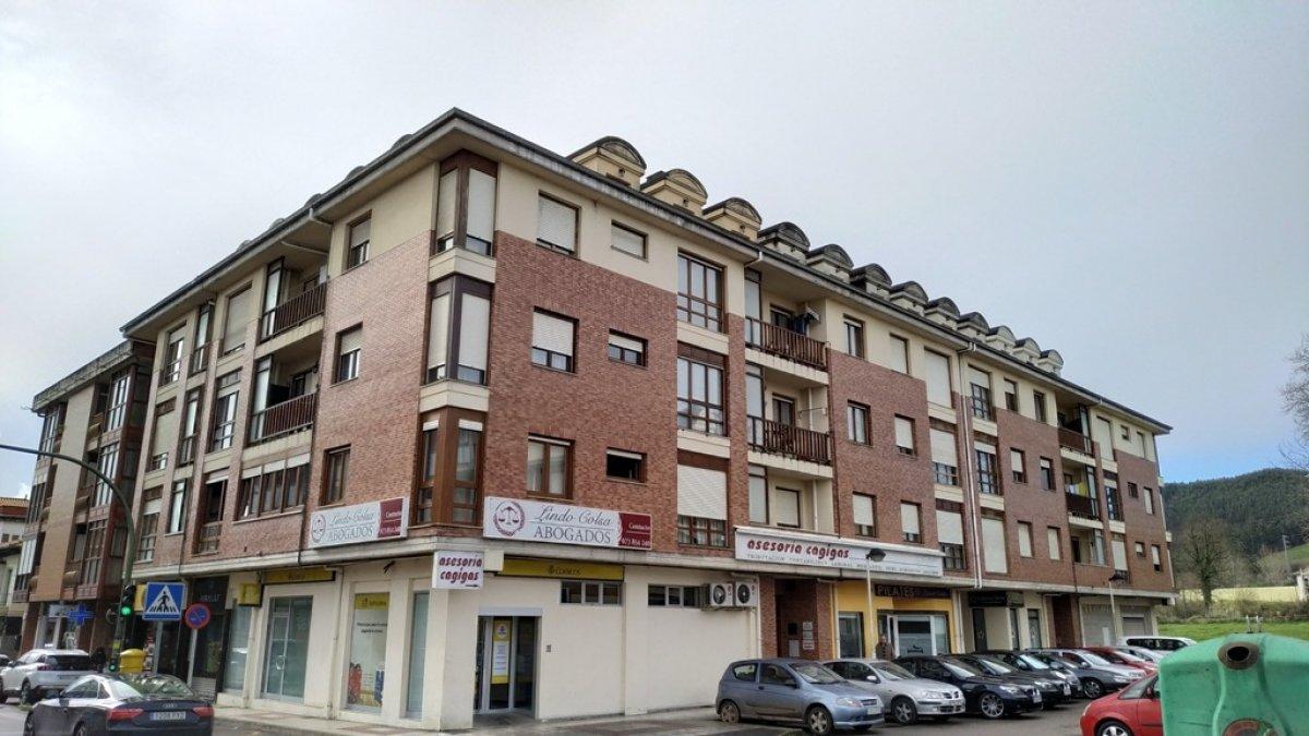 Piso en venta en Santa Maria De Cayon  de 2 Habitaciones, 1 Baño y 72 m2 por 83.300 €.