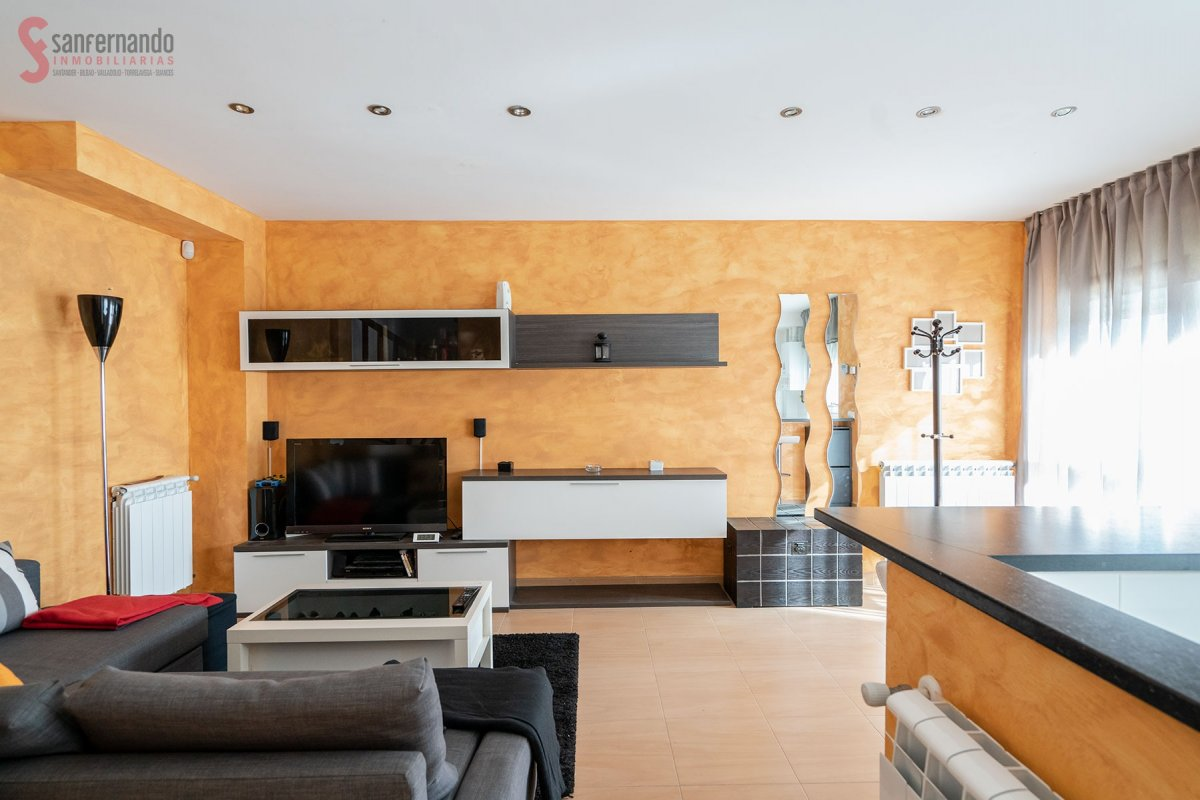 Chalet en venta en Miengo  de 3 Habitaciones, 2 Baños y 133 m2 por 90.000 €.