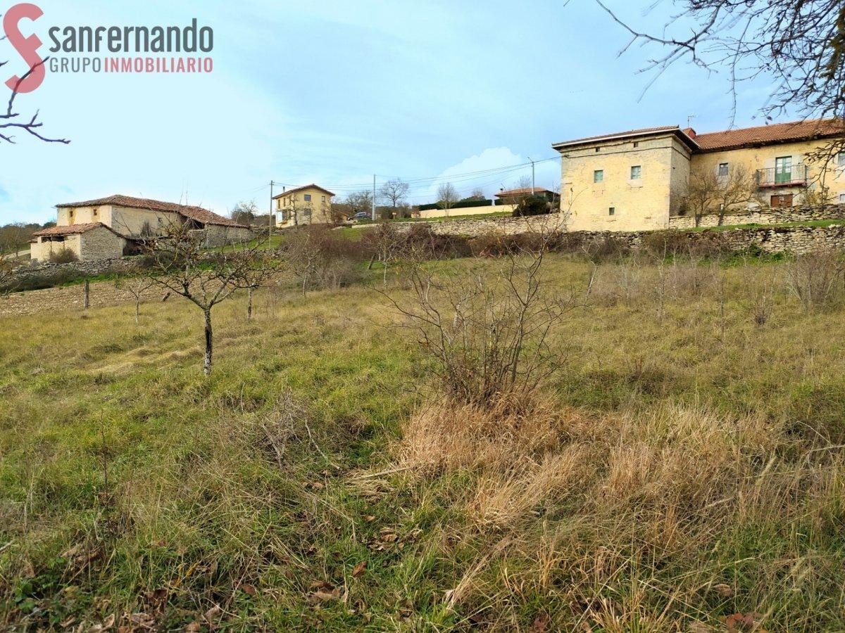 Terreno rural en venta en Medina de Pomar  de 1.242 m2 por 15.000 €.