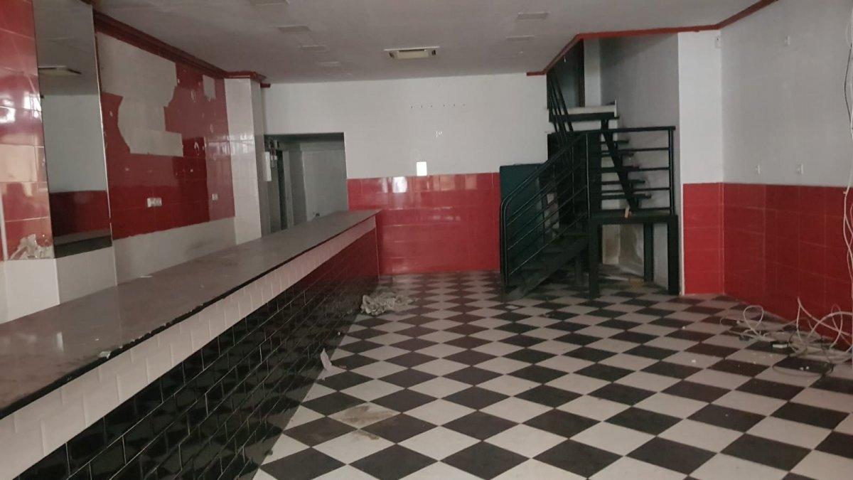 Local Comercial en alquiler en Santander  de 100 m2 por 1.100€/mes.