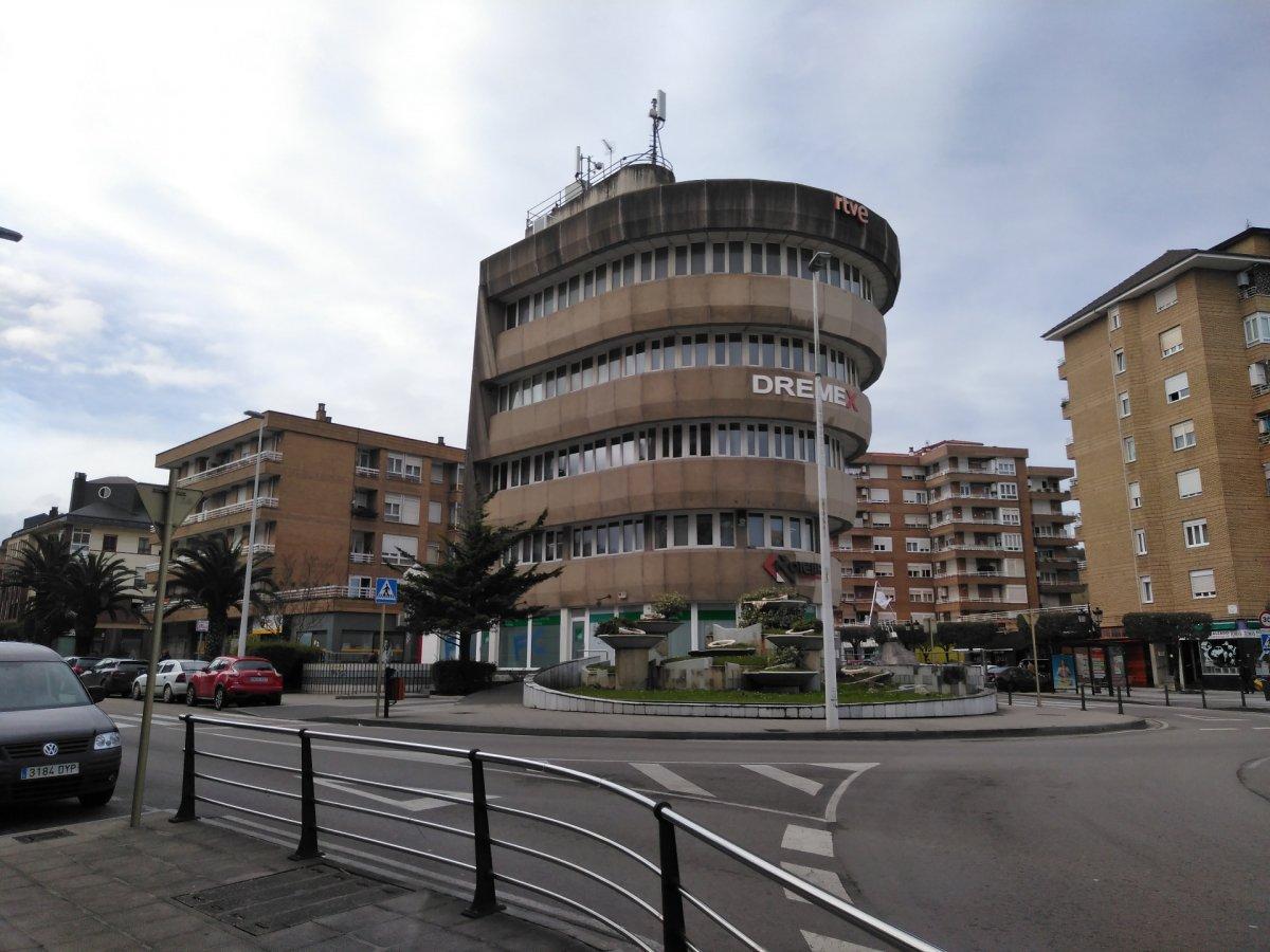 Oficina en alquiler en Torrelavega  de 32 m2 por 250€/mes.