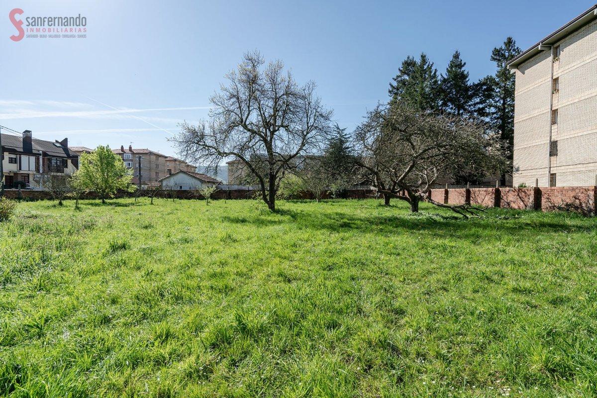 Terreno urbano en venta en Torrelavega  de 463 m2 por 130.000 €.