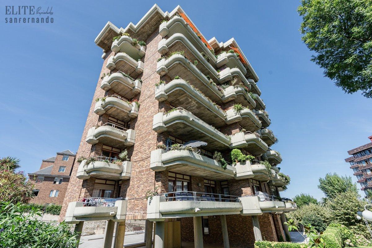 Piso en venta en Santander  de 5 Habitaciones, 3 Baños y 175 m2 por 540.000 €.