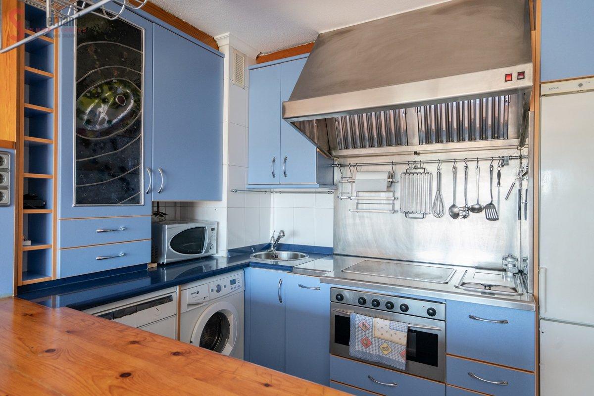 Piso en venta en Torrelavega  de 2 Habitaciones, 1 Baño y 62 m2 por 79.900 €.