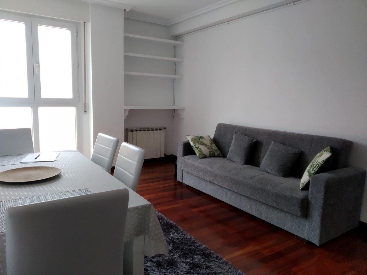 Piso en alquiler en Santander  de 1 Habitación, 1 Baño y 49 m2 por 1.500€/mes.