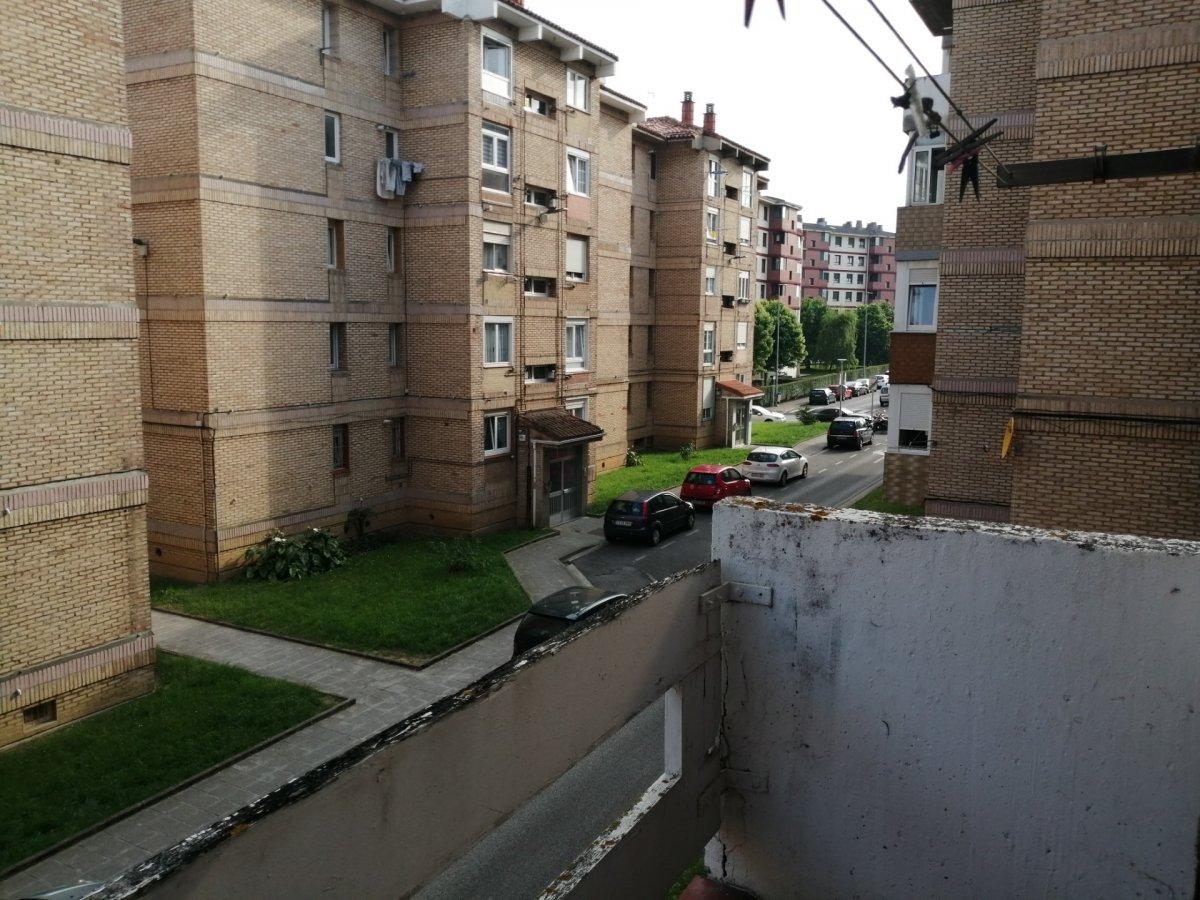 Piso en venta en Santander  de 4 Habitaciones, 1 Baño y 123 m2 por 99.400 €.
