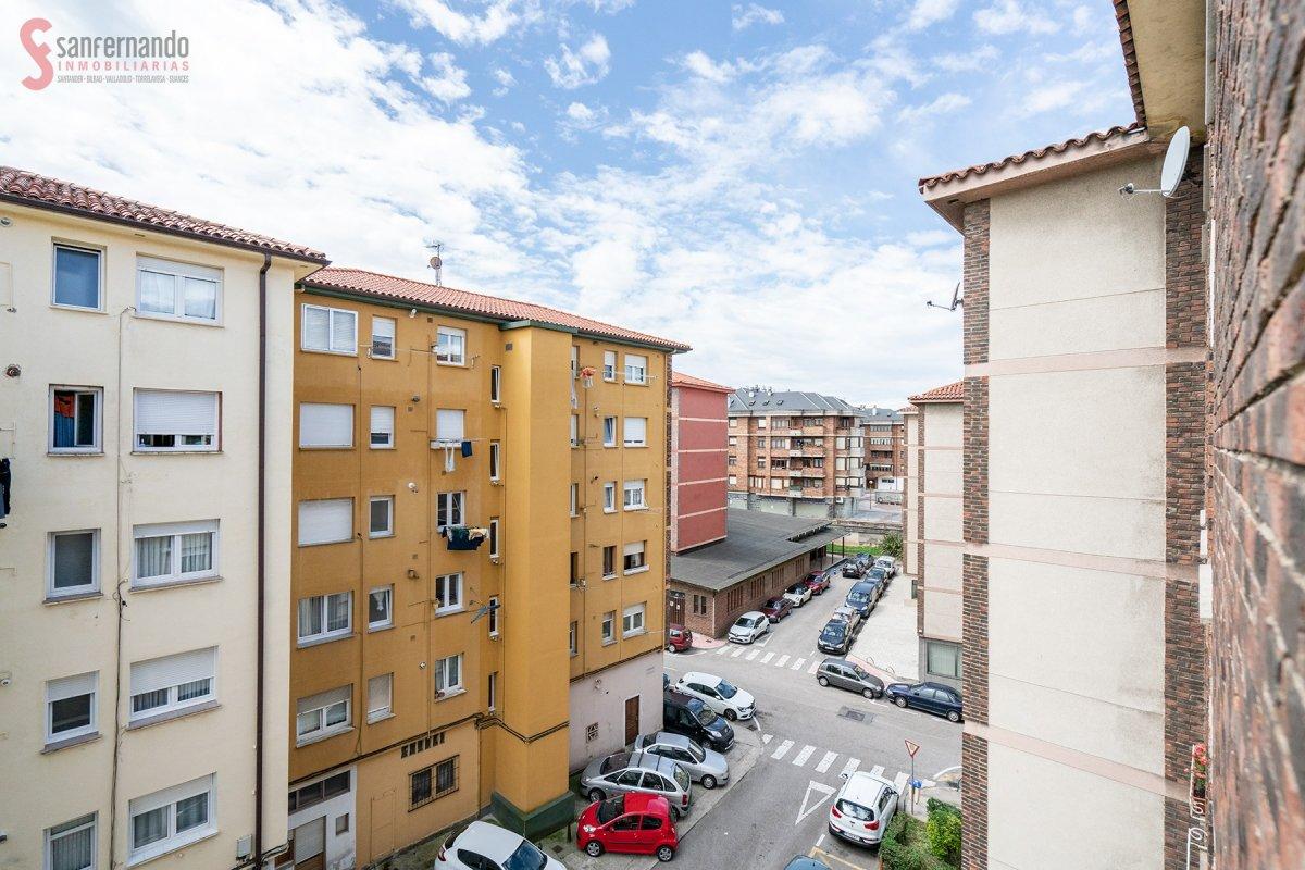en venta en   de 3 Habitaciones, 1 Baño y 66 m2 por 79.000 €.